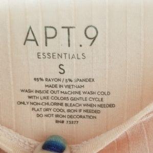 Apt 9 essentials shirt size small
